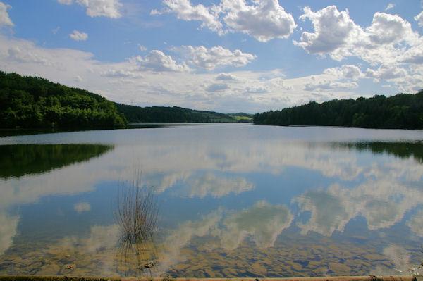 Le lac sur le Touch depuis le barrage