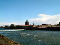 L'Hospice de La Grave depuis les berges Garonne rive droite