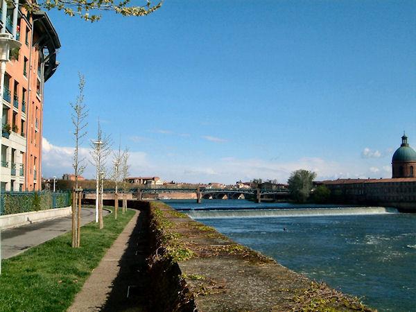 L&#39Hospice de La Grave et le Pont Neuf depuis les berges Garonne rive droite