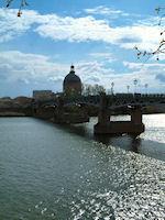 L'Hospice de La Grave et le Pont Saint Pierre depuis les berges Garonne rive droite