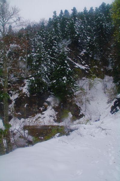 Le petit pont sur le ruisseau de Garante