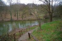 En descendant vers le Lac de Flourens depuis l'avenue du Lac