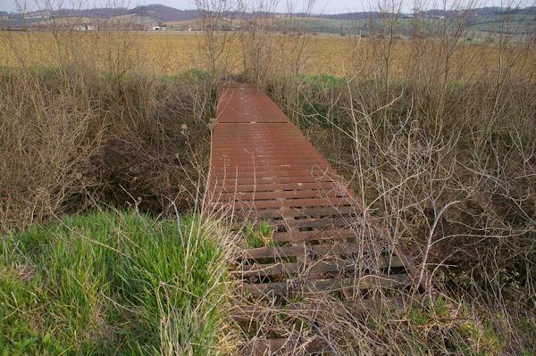 Un pont scabreux sur le Touch