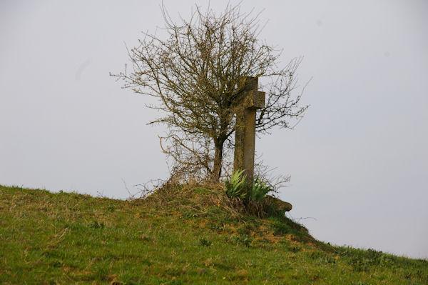 Une croix à Chancholle