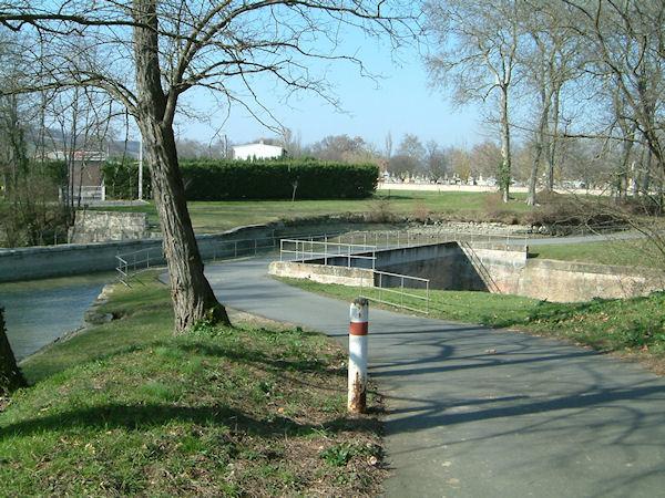 Le passage sur le ruisseau de Gardijol