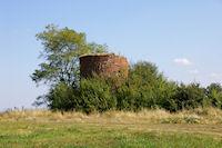 Un moulin en ruine au dessus de Lagoutte