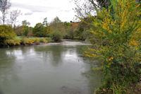 Lea Garonne en face de Jaunac