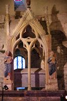 Le cénotaphe du chœur de la basilique St Just de Valcabrère