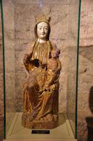 Vierge a l'enfant dans la basilique St Just de Valcabrere