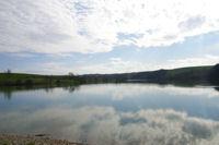 Le plan d&#39eau de la Tesauque depuis le barrage