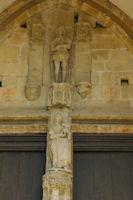 La porte de l'eglise d'Aurignac