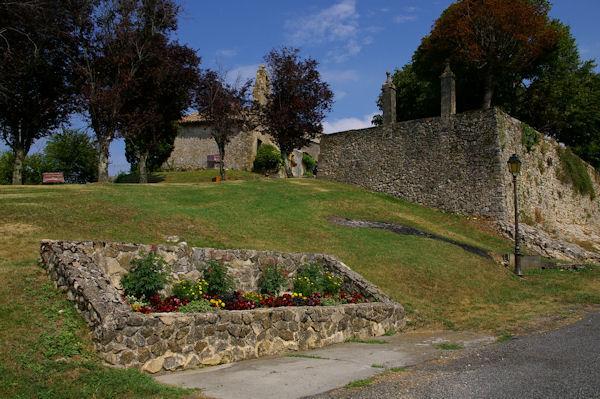 Une chapelle à la sortie d_Aurignac