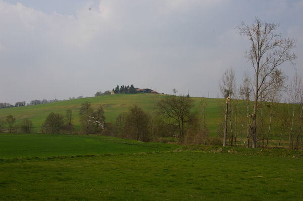 St Pé depuis la vallée du Touch sur le GR86