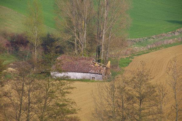 Un grange en ruine sous l_Escarre