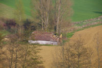 Un grange en ruine sous l'Escarre