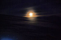 Coucher de lune sur le Sommet de l'Aigle