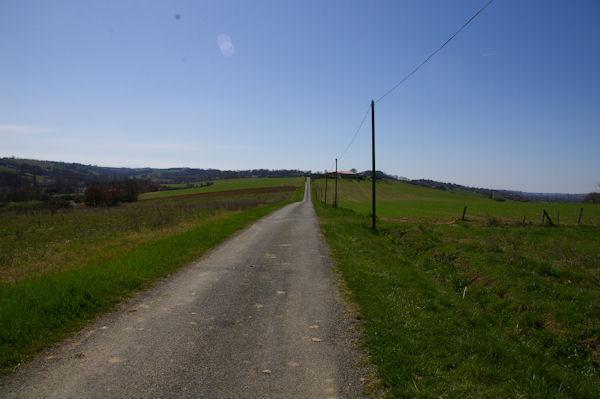 Le GR86 depuis Baron à la sortie de Pouy de Touges