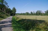 La route menant a Salleneuve dans la vallee de la Louge