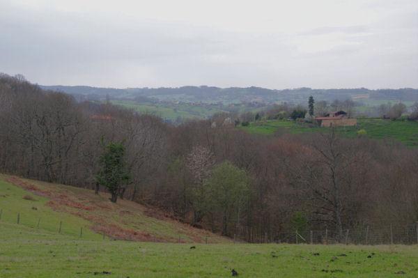 La Nenc depuis La Serre, derrière, la vallée de la Save