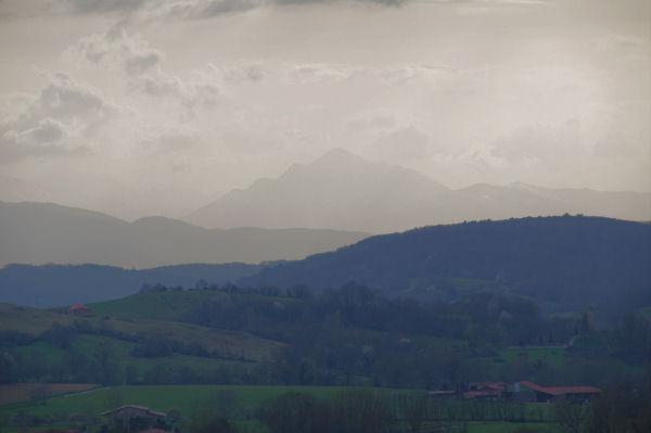 Le Mont Aigu dans les brumes