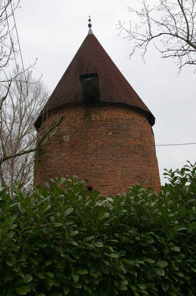 L&#39ancien moulin vers En Farines