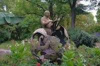 St Exupery et son Petit Prince dans le Jardin Royal