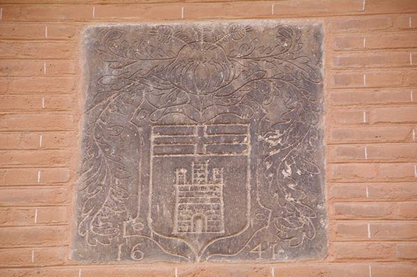 Armoiries dans la cour de l_Hotel des Chevaliers de Saint Jean, rue de la Dalbade