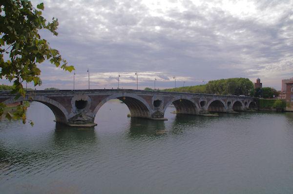 Le Pont Neuf sur la Garonne et le Château d_Eau