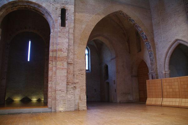 L_église Saint Pierre des Cuisines transformée en théatre