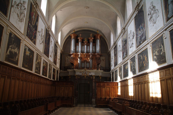 Dans l_église Saint Pierre