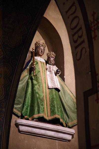 Dans l_église Notre Dame du Taur