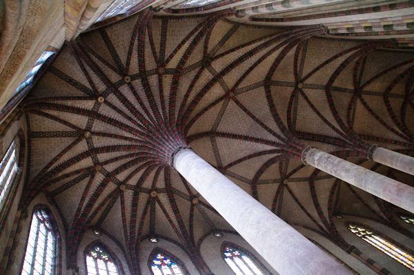 Les célèbres voutes de l_église des Jacobins