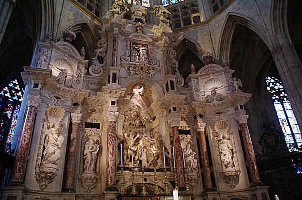 La nef de la Cathédrale Saint Etienne