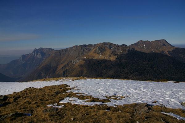 Le Pic du Gar, le Pic de l&#39Escalette et le Pic de Cagire depus le sommet du Tuc de l&#39Etang