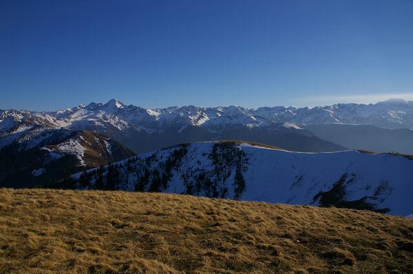 Les Pyrénées au Sud du Pic d&#39Escales, le Pic de Crabère bien visible à gauche