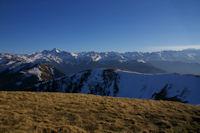 Les Pyrenees au Sud du Pic d'Escales, le Pic de Crabere bien visible a gauche