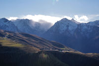 Le Pic d_Arrouyette et la station de Peyresourde, derrière et bien point, le Pic de Lustou