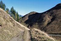 Le chemin menant au Col de Peyresourde