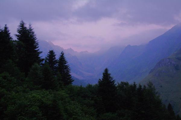 La vallée du Labas au petit matin depuis Cuyéou de Labet