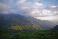 La vallee du Tech dominee par le Grand Gabizos dans les nuages