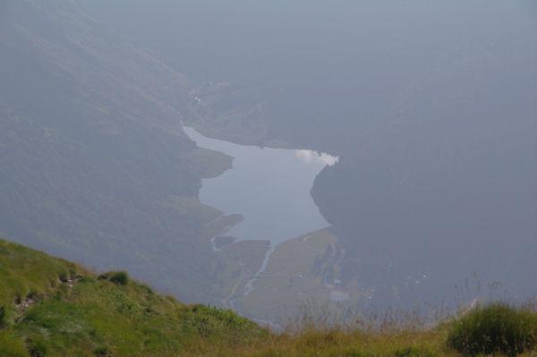 Le Lac d_Estaing depuis le Col de la Paloumère