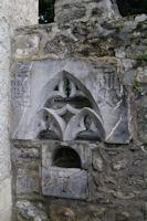 Le benitier des Cagots devant l'eglise d'Arrens