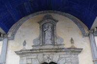 Le fronton de la chapelle de Pouey Laun