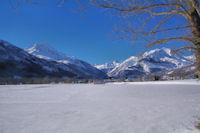 Le plateau d'Aucun, au fond, le Pic du Midi d'Arrens et les Gabizos