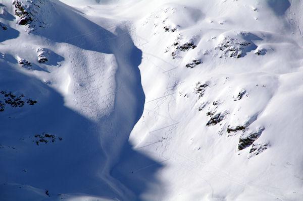 Des skieurs montant au Soum Léviste