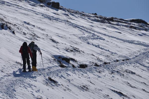 Camille et Fred sous la face Ouest du Pic de Barran (Photo www.myoppy.fr)