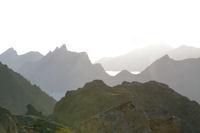 Pic du Midi d'Arrens, Pic de Sarret et Pic de l'Arcoeche au petit matin