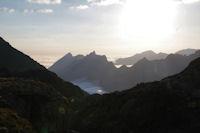 Pic du Midi d'Arrens, Pic de Sarret et Pic de l'Arcoeche au petit matin, deriiere, le Pic de Cabaliros