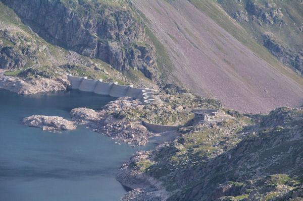 Le barrage et le Refuge de Migouélou