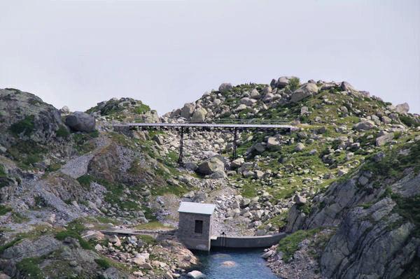Un pont au deversoir du lac de Lassiédouat